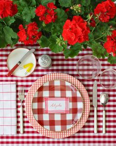 David Stark July Party Trends on The Salonniere Red Geraniums, Red Cottage, Summer Parties, Holidays And Events, E Design, Independence Day, Fourth Of July, Memorial Day, A Table