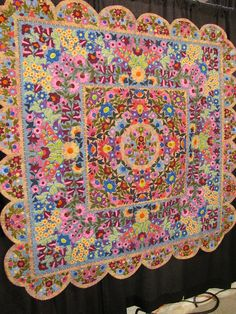 This is an amazing applique quilt