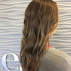 Somedays you just want effortless and beautiful. What are your go-to tricks for effortless beauty? @sxe_dan knows how to deliver beautiful hair that always looks good!  @mrskristenparker
