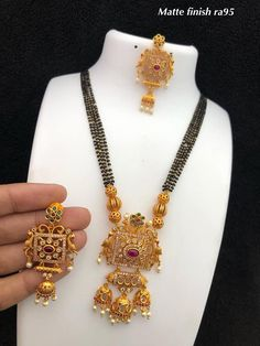 The Guild of Jewellery Designers handmade jewellery Indian Jewelry Sets, Silver Jewellery Indian, Gold Jewellery Design, Silver Jewelry, Handmade Jewellery, Earrings Handmade, Beaded Jewelry, Gold Mangalsutra Designs, Gold Jewelry Simple
