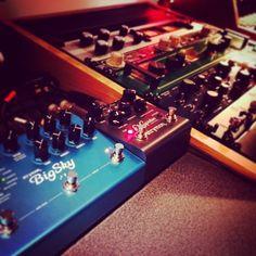 (From Instagrammer @el_fish_recording_studio) ready to mix. #mix #gear #analog #mixing #outboard #strymon #studiogear #studioporn #effects #elfishrecordingstudio #elcapistan #bigsky #ubk #urei #1178 #fatso #thephoenix #thermionicculture #clariphonic #culturevulture #spl #joemeek #empiricallabs #vitalizer #yamaha #protools #electro