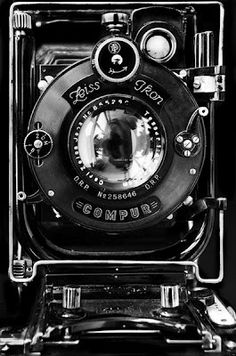 Zeiss Ikon Camera This is a lovely camera