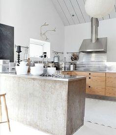 Brabourne Farm: White Rooms