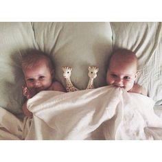 20 belachelijk lieve foto's van broers en zusjes samen