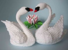 Crochet swans – with your own hands … – Knitting – Crochet Crochet Birds, Thread Crochet, Crochet Animals, Crochet Doilies, Crochet Toys, Crochet Stitches, Crochet Baby, Tattoo Dentelle, Crochet Animal Patterns