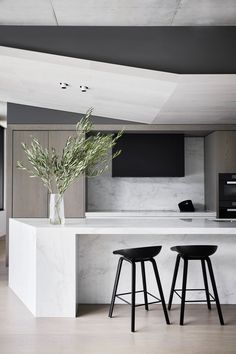 AAP Residence by MIM Design — anniversary magazine Best Kitchen Designs, Modern Kitchen Design, Interior Design Kitchen, Modern Interior Design, Interior Decorating, Kitchen Ideas, Kitchen Decor, Kitchen Pantry, Interior Walls