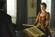 """Reign -- """"A Grain of Deception"""" -- Image Number: -- Pictured: Rachel Skarsten as Queen Elizabeth I -- Photo: John Medland/The CW -- © 2017 The CW Network, LLC. All Rights Reserved Reign Fashion, Fashion Tv, Reign Season 4, Francis Of France, Poldark Season 4, Royal Clan, Marie Stuart, Tudor Dress, Reign Mary"""