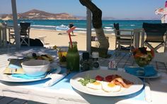 Foodie alert! The Greek Islands, apart from their breath-taking landscapes, they are also famous for the food experiece they offer. Read on to find the best islands for foodies!