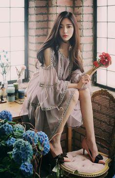 so beautiful korean women Asian Fashion, Girl Fashion, Fashion Outfits, Mode Kpop, Beautiful Asian Women, Looks Style, Korean Women, Photography Women, Ulzzang Girl