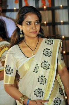 Indian Actress Hot Pics, Bollywood Actress Hot Photos, Beautiful Indian Actress, Kerala Saree, Indian Sarees, Actress Priya, Stylish Mens Outfits, Girls In Panties, Indian Jewellery Design