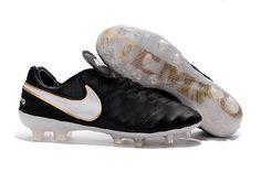 timeless design c7afc b3cd2 Nike Tiempo Legend VI FG Fotballsko Hvit Svart 506.99kr. Martha Sneakers