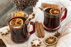 Learn how to make mulled wine with a crockpot, find hot spiced wine recipes, a virgin glogg recipe and traditional mulled wine with these TODAY favorites. Low Calorie Alcoholic Drinks, Non Alcoholic Wine, Winter Drinks, Holiday Drinks, Holiday Parties, Christmas Drinks, Wine Punch, Warm Wine, Christmas Drinks Alcohol