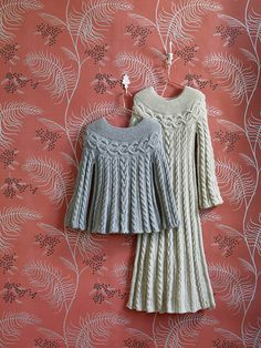Ravelry: Cable Luxe Maxi pattern by Lion Brand Yarn - free knitting pattern