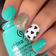 Cute And Girly Turquoise Nail Design.
