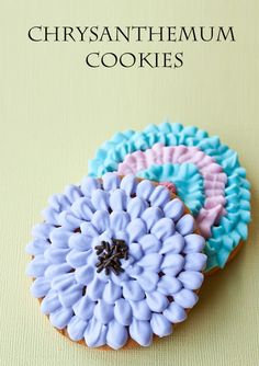 How to Make Chrysanthemum cookies • CakeJournal.com