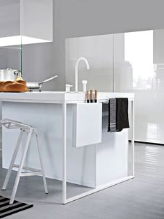 Palomba Serafini #kitchen #minimal #white