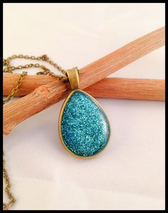 Mid-length turquoise drop necklace glitter enamel and resin fine bronze-colored metal chain . - pinned by pin4etsy.com