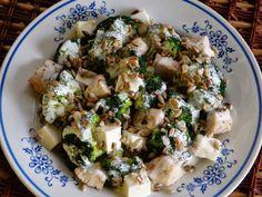 Monia miesza i gotuje: Sałatka brokułowa z kurczakiem i fetą Polish Recipes, Sprouts, Feta, Potato Salad, Potatoes, Vegetables, Cooking, Ethnic Recipes, Kitchen