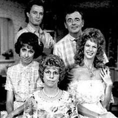 I need seasons 3, 4 and 5 of Mamas Family on DVD o complete my collection!