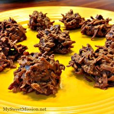 These easy 2 Ingredient Chocolate Haystacks are a perfect combination of creamy milk chocolate and shredded coconut! Get the recipe: http://mysweetmission.net/2015/08/2-ingredient-chocolate-haystacks.html #Chocoley #ChocolateCandies #EasyChocolateRecipes #2IngredientDesserts #DessertRecipes #HolidayRecipes #HolidayCandies #2IngredientCandies