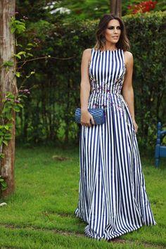 Me gusta este vestito para el verano. Salidas informales por el tejido de algodon.