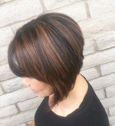 A-Lines & Carmel highlights ✨  #alinebob#cosmolife#cosmetology#hairgoals#shorthair#shorthairstyles#redken#shadeseq#shearcraft#highlights#behindthechair#hairgoals#sacramento#citrusheights#followforfollow#tb#picoftheday#haircolor#hairstylist http://tipsrazzi.com/ipost/1523585946075203256/?code=BUk3Vh8lwa4