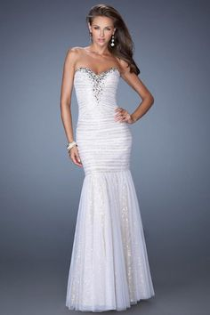 2014 Sweetheart Mermaid Prom Dress With Adorn Neckline And Shimmering Underlay