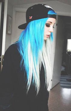 Blue hair chalk on the ends? Top or bottom?