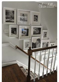Stairway Pictures, Stairway Gallery Wall, Frame Gallery, Art Gallery, Hallway Pictures, Picture Wall Staircase, Hang Pictures, Gallery Walls, Wall Photos
