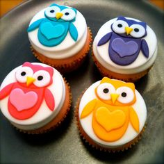 Seriously, these cupcakes are too cute to eat.