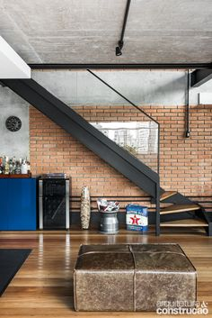 Interior design is the best thing you can do for your home Loft Design, House Design, Home Interior Design, Interior Architecture, Escalier Design, Rustic Chic Decor, Modern Stairs, Loft House, Industrial Loft