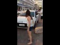 Mulher barbeira bate o carro enquanto é filmada (Eu posso pagar ô merda!)