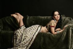 Hottest News 99: Monali Sehgal Sexy Babe in Saree Photos