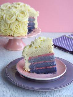 Coco e Baunilha: Rose layer cake with vanilla & raspberry buttercream ::: Bolo de rosas com creme de manteiga de baunilha e framboesa