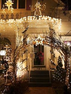 """Sparkling Entry from njcolahead via BHG. Hope they're able to have their display this year...""""("""