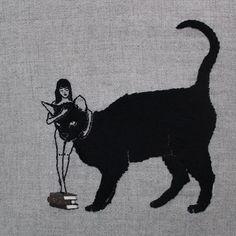 Une sélection des joliesbroderies sur lin de l'artiste australien Adipocere, qui met en scène des femmes, des chats et des squelettes dans des compositions