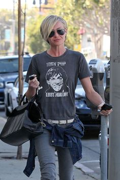 Portia de Rossi Photo - Portia de Rossi, actress and wife of Ellen DeGeneres, treats herself to a day at Benjamin Salon in Los Angeles
