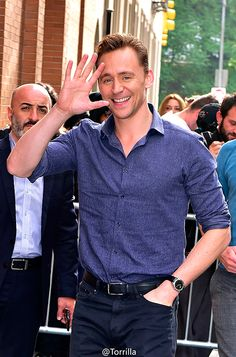 Tom Hiddleston at the NBC Rockefeller Center Studios for the 'Today Show' taping on October 14, 2015 in New York City. Full size image: http://ww2.sinaimg.cn/large/6e14d388gw1ex13cqgvr1j21kw1xc7wh.jpg Source: Torrilla, Weibo http://www.weibo.com/1846858632/CF7f4yi1t?from=page_1005051846858632_profile&wvr=6&mod=weibotime&type=comment#_rnd1444851071944