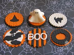 Adorable Cupcake Toppers by Lynlee's Petite Cakes