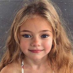 little blonde girl Little Blonde Girl, Pretty Blonde Girls, Blonde Babies, Beautiful Blonde Girl, Beautiful Little Girls, Cute Little Girls, Cute Baby Girl, Beautiful Children, Beautiful Babies