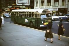 Retro Bus, Nyc Pics, Buses And Trains, Busses, Coaches, Historical Photos, Concept Cars, Manhattan, Cool Cars