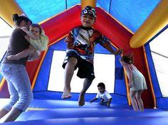 Bouncy castle takes flight, killing & injuring people (2006), sad/true story