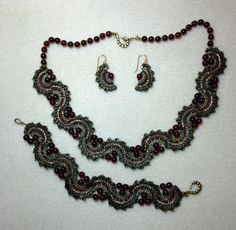 April/May 2012 issue if Beadwork. Csilla Csirmaz is the designer done by Betsy Lee Meyer>Bead Weaving with a Needle