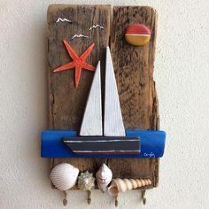 Yelkenli anahtar askılığı #duvarsüsü #oilpainting #yağlıboya #stonepainting #stone #yelkenlitekne #denizyıldızı #denizkabukları #handmade #gift #elyapımı #shells #doğa #manzara #hediyelik