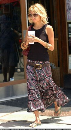 Nicole Richie. Don't think much of her but I have to admit she pulled this off! glasses, belt, maxi skirt, flip-flops