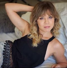 Flirty Jennette Mccurdy – Flirty Jennette Mccurdy is so Fine and Beautiful Jennette Mccurdy, Long Blonde Curly Hair, Long Curly, Beautiful Celebrities, Beautiful Women, Celebrity Faces, Celebrity Women, Celebrity Photos, Miranda Cosgrove