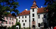 Wittingau Czech Republic, Multi Story Building, Mansions, House Styles, Beautiful, Home Decor, Woodland Forest, Decoration Home, Manor Houses
