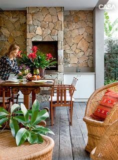 quintais decorados - Pesquisa Google Outdoor Kitchen Bars, Wood Fired Oven, Outdoor Living, Outdoor Decor, Garden Pool, Barbacoa, The Great Outdoors, Bbq, Sweet Home