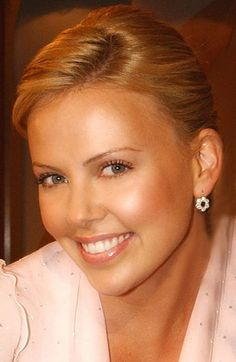 96701f0a6d77 photos of charlize theron