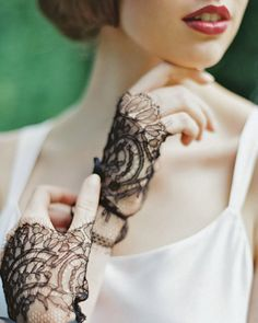 1920's inspired lace gloves from Enchanted Atelier | via junebugweddings.com
